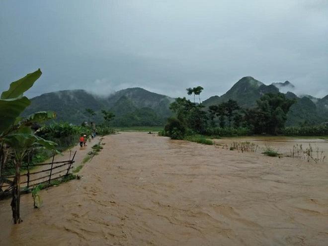 Quảng Ninh huy động 5 xe thiết giáp, Hà Nội ra công văn khẩn ứng phó bão số 4 tiến sát bờ 3
