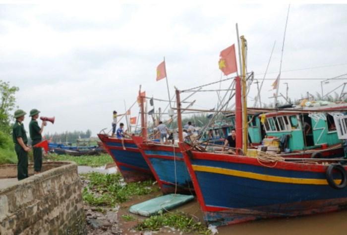Thái Bình cấm biển, Hải Phòng điều xe thiết giáp đối phó bão số 4 1