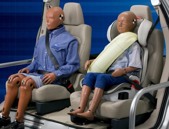 Vì sao dây an toàn của ô tô có phần bảo vệ vai mà máy bay lại không? Lời đáp khiến bạn ái ngại 4