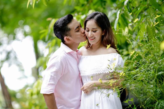 """Khánh Thi lần đầu lên tiếng sau nghi vấn hôn nhân bất ổn: """"Tôi chẳng dại gì vừa sinh con 1 tháng lại bỏ chồng"""" 6"""