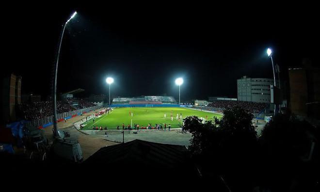 Đây là cách nữ nhiếp ảnh gia thể thao người Iran chụp ảnh trận đấu bóng đá dù bị cấm vào sân vận động 8