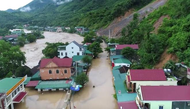 Toàn cảnh mưa lũ tại Nghệ An nhìn từ trên cao 1