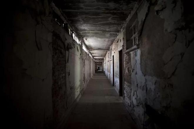 Chuyện rùng mình của khách sạn xa hoa bỏ hoang ở Mexico: Người chủ tự tử ngay đại sảnh, căn phòng thờ cúng bí mật không ai dám bước vào 4