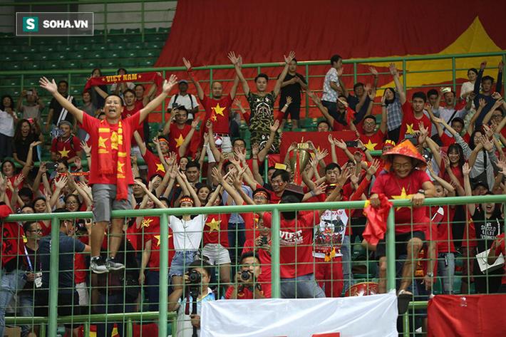 Sau chiến thắng nghẹt thở, U23 Việt Nam làm điều khiến Hùng Dũng sẽ phải nhỏ lệ - Ảnh 4.