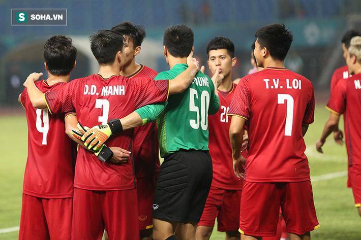 Sau chiến thắng nghẹt thở, U23 Việt Nam làm điều khiến Hùng Dũng sẽ phải nhỏ lệ - Ảnh 7.