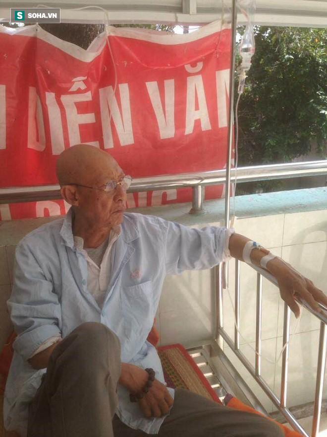 Nghệ sĩ Lê Bình xúc động gần khóc khi nhận số tiền trăm triệu giúp đỡ từ đồng nghiệp 2