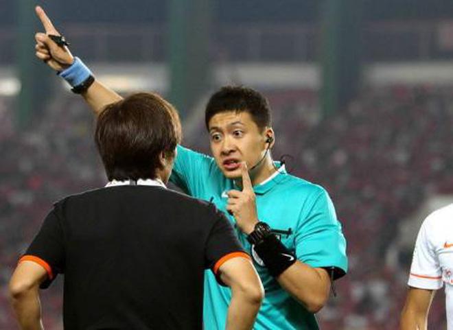 Info trọng tài người Trung Quốc đẹp trai nhất trận Việt Nam - Bahrain tối qua 12