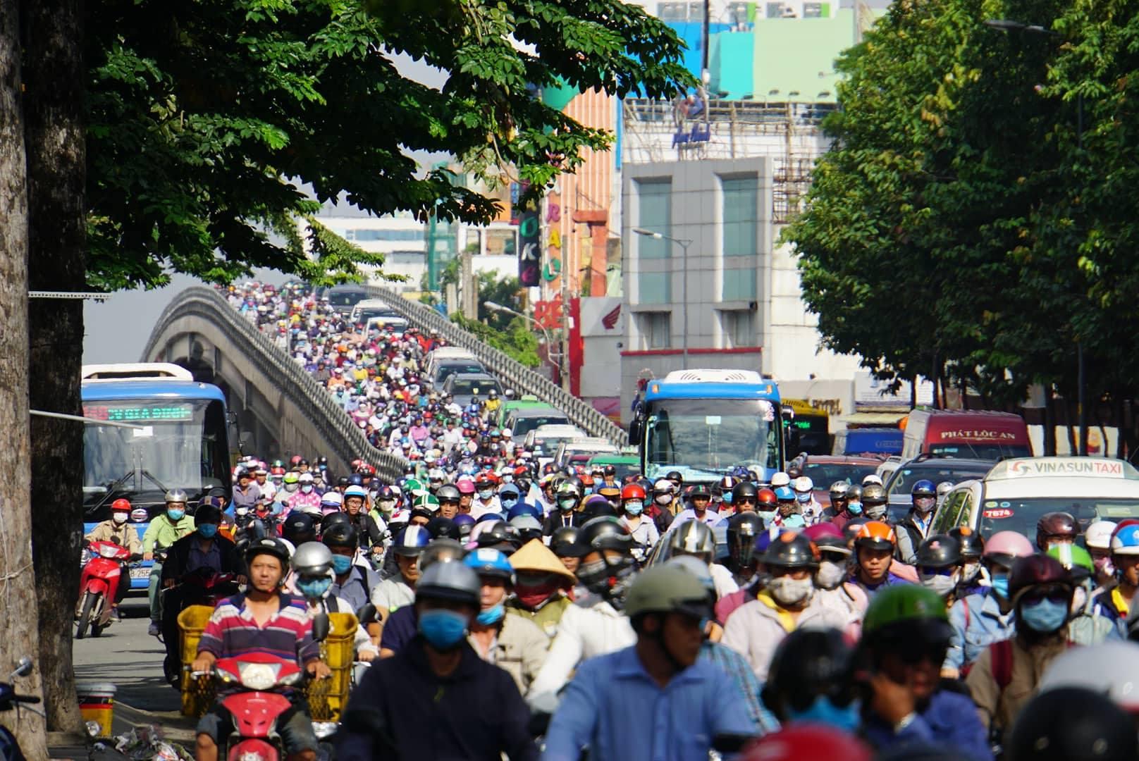 TP HCM sẽ cấm xe máy vào 4 quận trung tâm? 1