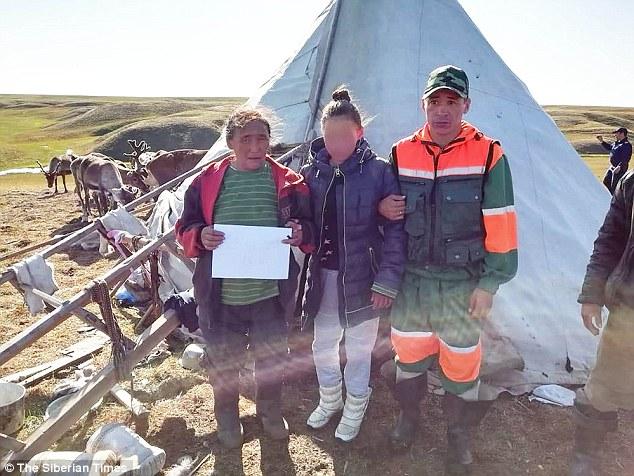 Bé gái sống sót kỳ diệu sau 2 tuần lạc tại Bắc cực nhiều gấu dữ 1