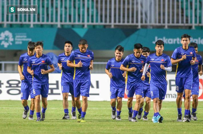 Bị phóng viên Hàn Quốc quây kín, U23 Việt Nam vội vàng đóng cửa tập kín - Ảnh 5.