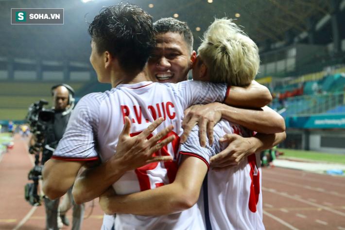 Trong ngập tràn niềm vui của U23 Việt Nam, có một người vốn sinh ra để bị lãng quên 5