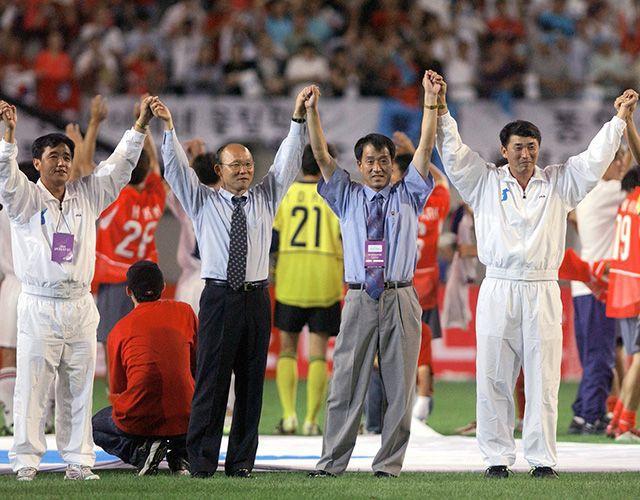 16 năm trước, ông Park Hang-seo phải chịu làn sóng mỉa mai từ người Hàn Quốc khi giành HCĐ ASIAD 1