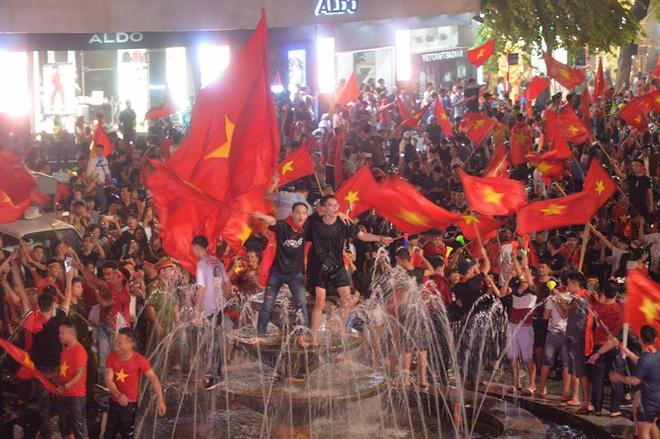 Hễ thua lại sỉ vả: Đừng đến với U23 Việt Nam bằng tình yêu thiếu thốn như vậy! 2