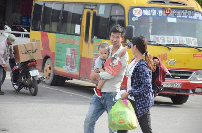Người dân ùn ùn rời thành phố về quê nghỉ lễ 2/9, nhiều tuyến đường kẹt cứng 9