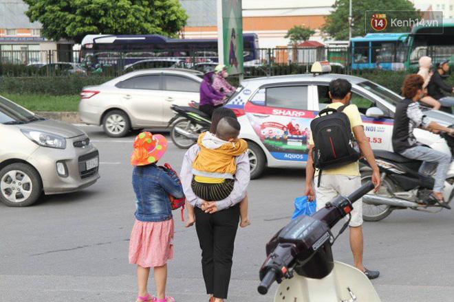 Người dân ùn ùn rời thành phố về quê nghỉ lễ 2/9, nhiều tuyến đường kẹt cứng 15