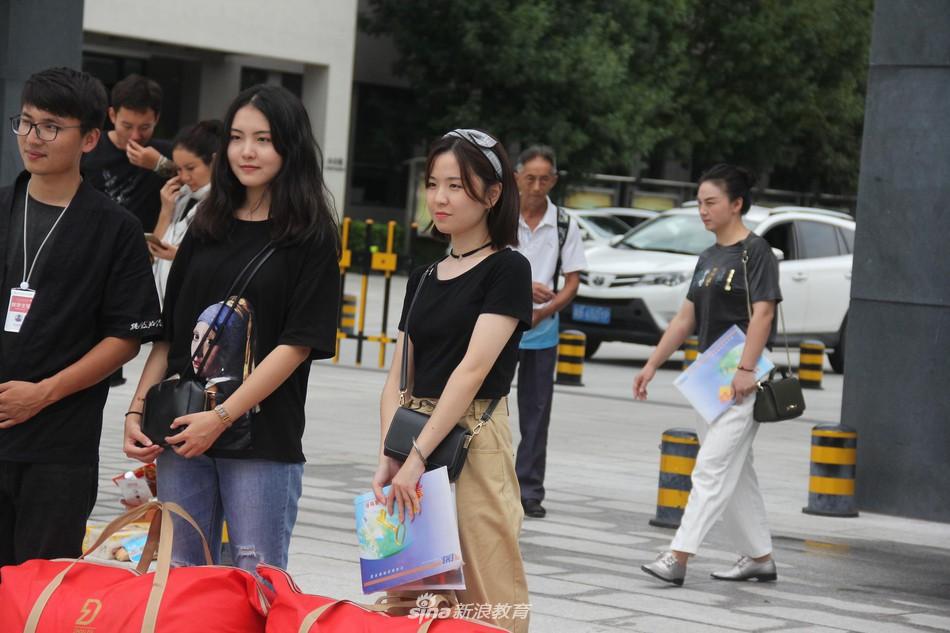 Ngày nhập học của lò đào tạo minh tinh Châu Á: Nhìn đâu cũng thấy trai xinh gái đẹp - Ảnh 21.