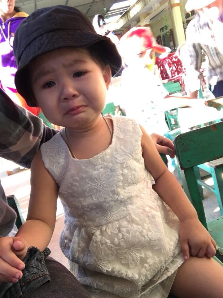 Chùm ảnh: Giọt nước mắt bỡ ngỡ và những biểu cảm khó đỡ của các em nhỏ trong ngày khai giảng 4
