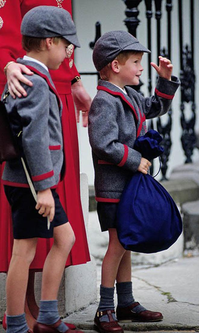 Loạt ảnh ngày đầu tiên đi học siêu đáng yêu của các công chúa, hoàng tử nhí trên thế giới 6