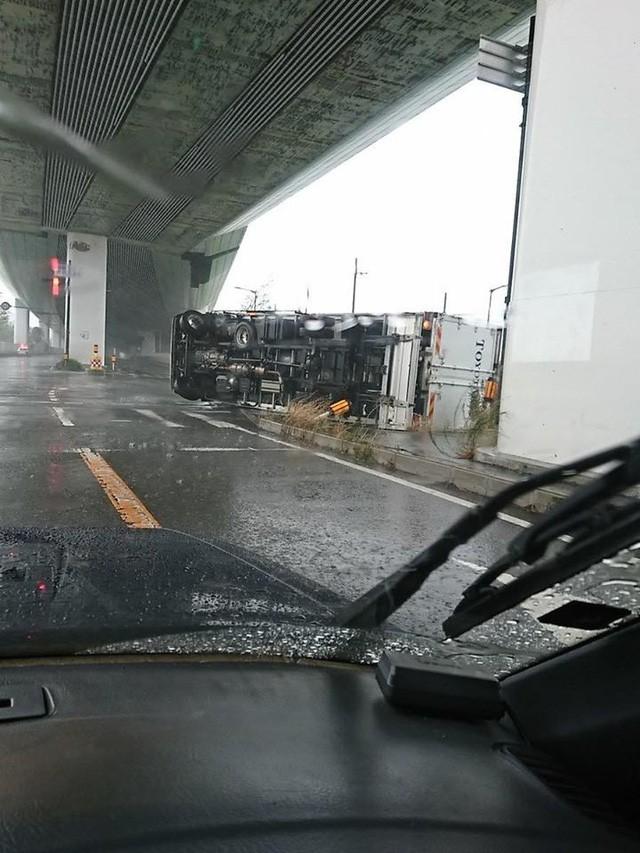 Siêu bão mạnh nhất ¼ thế kỷ đổ bộ, Nhật Bản bị tàn phá như trải qua thảm họa kép động đất, sóng thần năm 2011 10