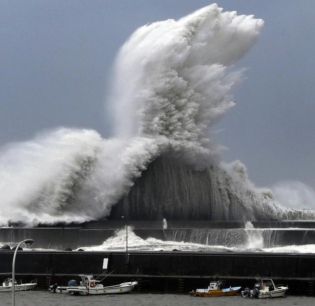 Siêu bão mạnh nhất ¼ thế kỷ đổ bộ, Nhật Bản bị tàn phá như trải qua thảm họa kép động đất, sóng thần năm 2011 11