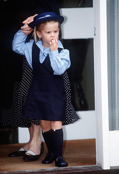Loạt ảnh ngày đầu tiên đi học siêu đáng yêu của các công chúa, hoàng tử nhí trên thế giới 13