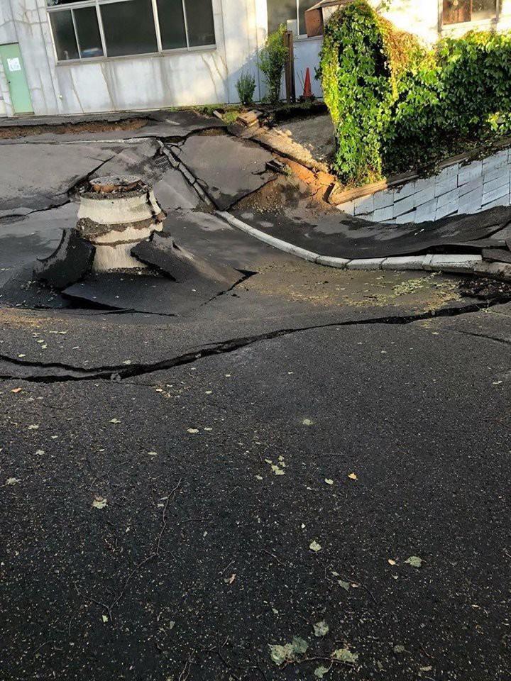 Nhật Bản hoang tàn, đổ nát sau liên tiếp siêu bão Jebi và động đất 6 độ Richter ở Hokkaido 9
