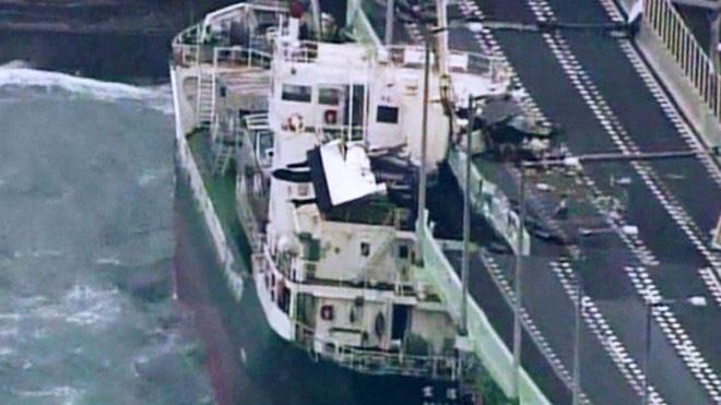 Nhật Bản hoang tàn, đổ nát sau liên tiếp siêu bão Jebi và động đất 6 độ Richter ở Hokkaido 14