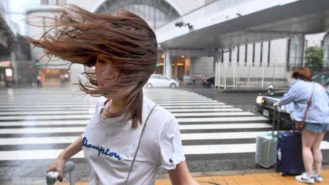 Nhật Bản hoang tàn, đổ nát sau liên tiếp siêu bão Jebi và động đất 6 độ Richter ở Hokkaido 15