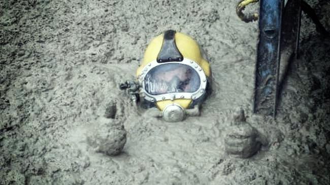 Tâm sự của một thợ lặn bể phốt chuyên nghiệp: