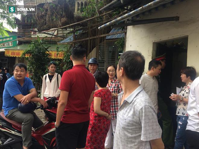 Chung cư cao tầng rung lắc sau động đất ở Hà Nội, cư dân hoảng loạn tháo chạy 1