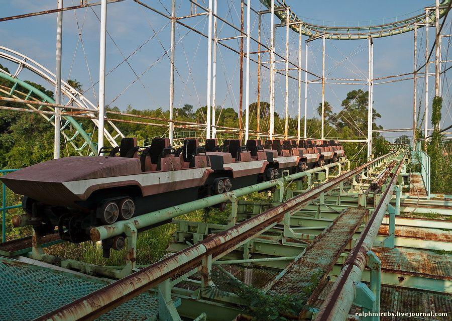 Công viên giải trí bỏ hoang ở Nhật: Nằm cạnh khu rừng tự sát nổi tiếng, bức tượng khổng lồ rùng rợn nằm giữa trung tâm 11