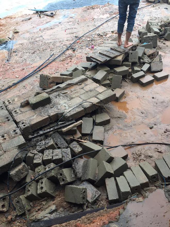 Cảnh tan hoang sau vụ vỡ đập hồ chứa, hàng nghìn mét khối chất thải tràn vào khu dân cư ở Lào Cai 7