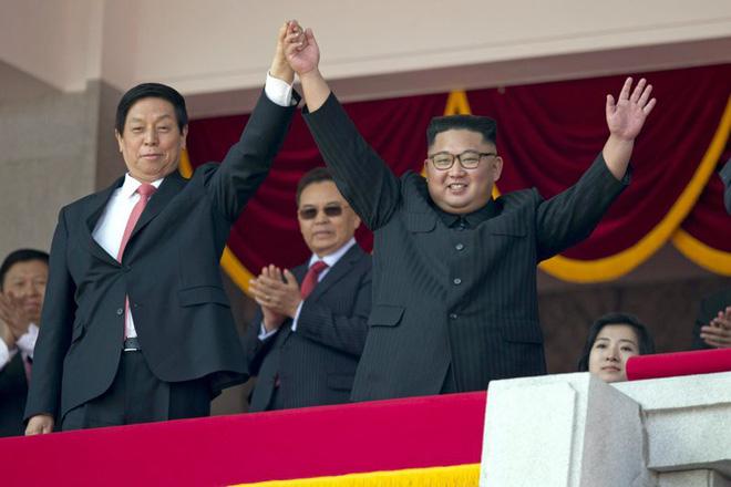 Hé lộ những hình ảnh đầu tiên trong lễ duyệt binh quân sự hoành tráng của Triều Tiên 2