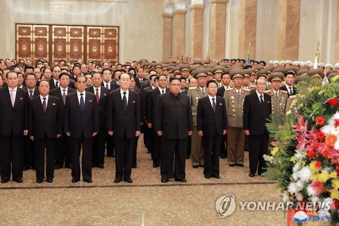 Hé lộ những hình ảnh đầu tiên trong lễ duyệt binh quân sự hoành tráng của Triều Tiên 1