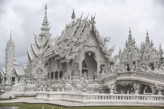 Thăm quan ngôi đền Thái Lan sở hữu cây cầu địa ngục, cánh tay người chết và cổng vào thiên đường 1
