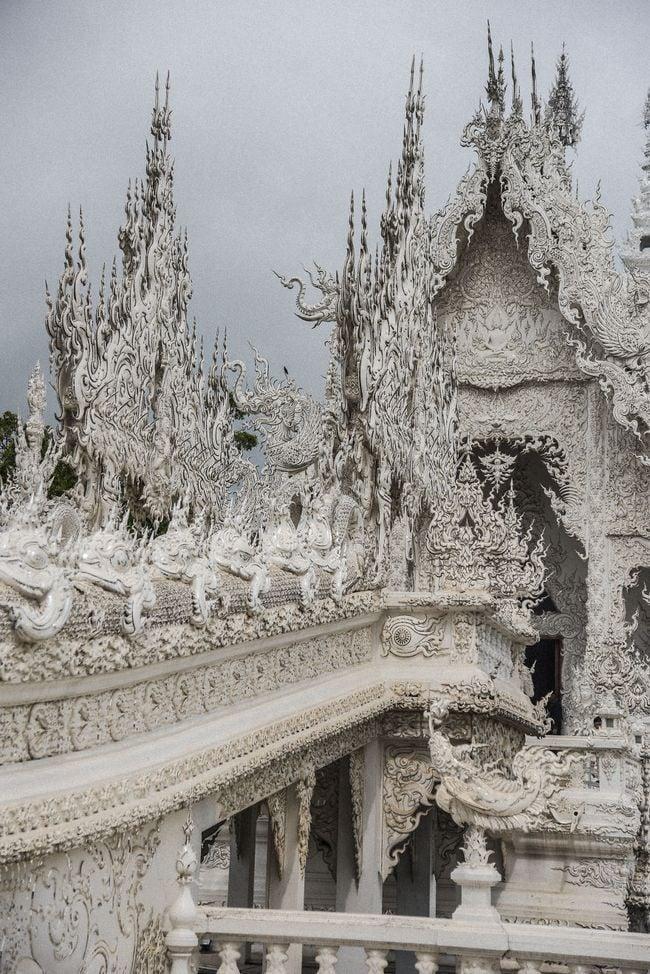 Thăm quan ngôi đền Thái Lan sở hữu cây cầu địa ngục, cánh tay người chết và cổng vào thiên đường 14