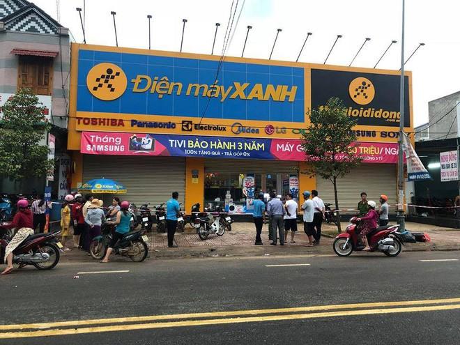 Nguyên nhân bảo vệ siêu thị Điện Máy Xanh đâm nữ quản lý tử vong 1