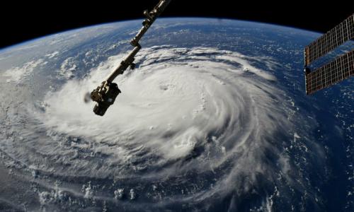 Hơn một triệu người Mỹ phải lánh nạn do siêu bão Florence 1