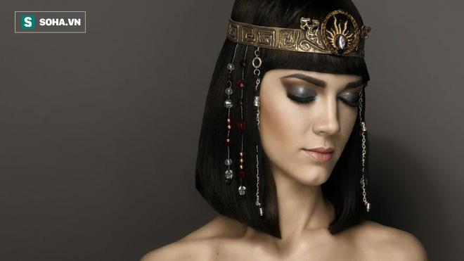 Chuyện chưa kể về Cleopatra: Sẵn sáng hòa tan 16,7 triệu đô chỉ vì 1 trò cá cược - Ảnh 4.