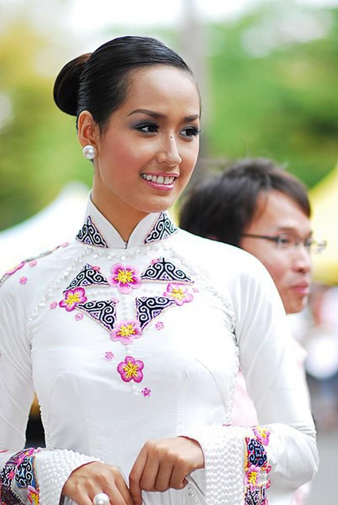 Nhìn lại Mai Phương Thúy của 10 năm trước: Từ cô Hoa hậu da ngăm đen bị ném đá đến mỹ nhân gợi cảm của showbiz Việt - Ảnh 2.