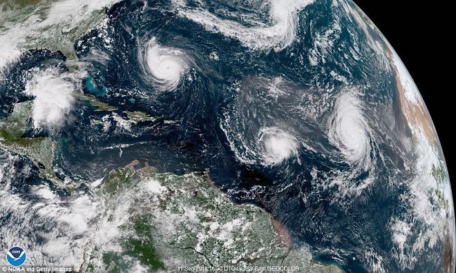 9 cơn bão cùng