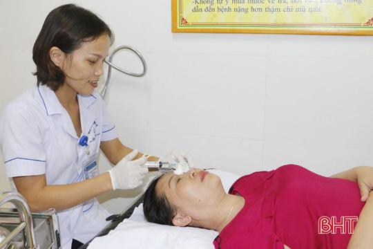 Gội đầu bằng hạt na, 5 bệnh nhân bị bỏng giác mạc 1