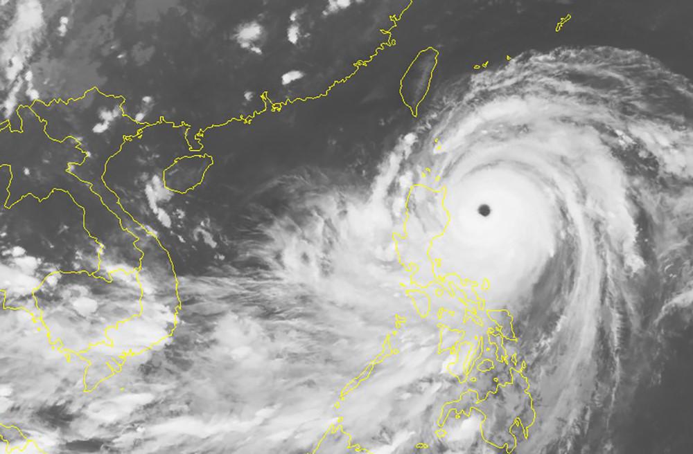 Hình ảnh Phó Thủ tướng Trịnh Đình Dũng yêu cầu chuẩn bị phương án ứng phó siêu bão Mangkhut số 1