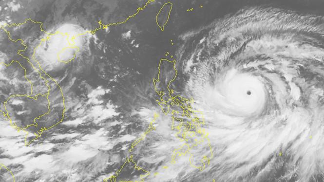 Bão Mangkhut bắt đầu đổ bộ Philippines, sức gió lên tới 270 km/giờ 1