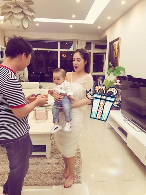Trước khi ly hôn, Dương Cẩm Lynh từng sống trong biệt thự 200 tỷ ven sông Sài Gòn 4