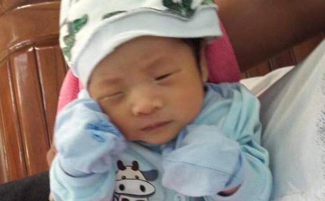 Phát hiện bé trai nặng 3,5kg bị bỏ rơi trước cổng nhà dân ở Quảng Ninh 1