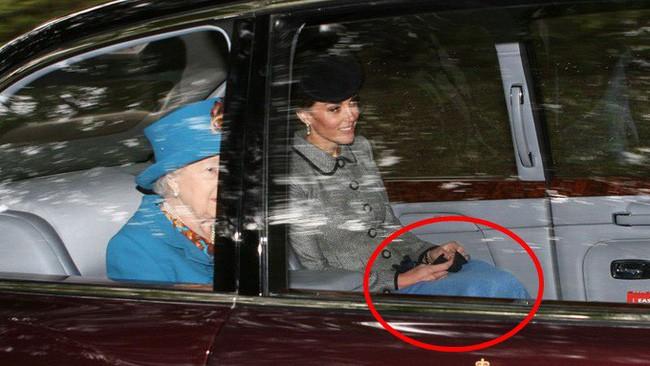 Người hâm mộ tinh ý phát hiện ra vật bất thường trong xe hơi chở Công nương Kate, vô tình tiết lộ thói quen khó bỏ của người hoàng gia 3