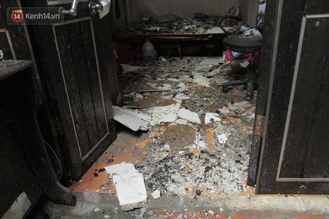Ảnh: Khung cảnh tan hoang bên trong dãy trọ bị 'giặc lửa' thiêu rụi ở Hà Nội 9