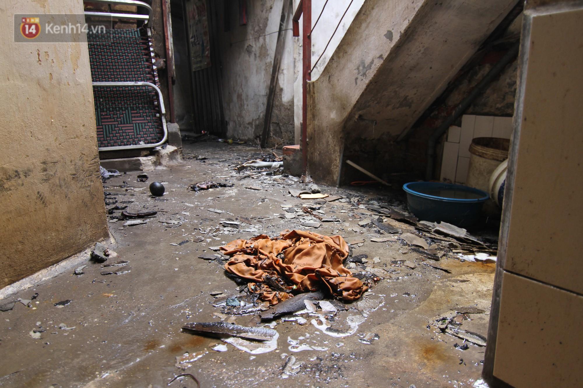 Ảnh: Khung cảnh tan hoang bên trong dãy trọ bị 'giặc lửa' thiêu rụi ở Hà Nội 21