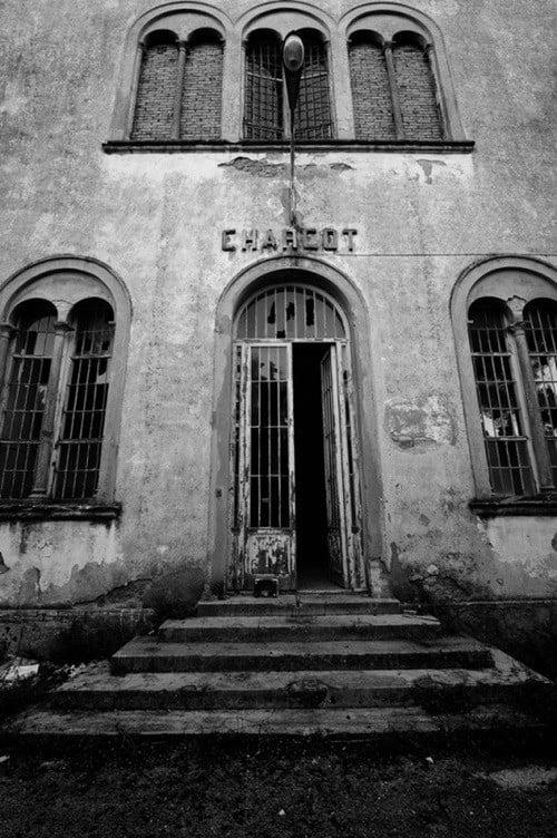 """Bệnh viện tâm thần """"một đi không trở lại"""" ở Ý: Nơi giam giữ 6.000 bệnh nhân, phải đóng cửa vì phương pháp chữa trị vô nhân tính 3"""